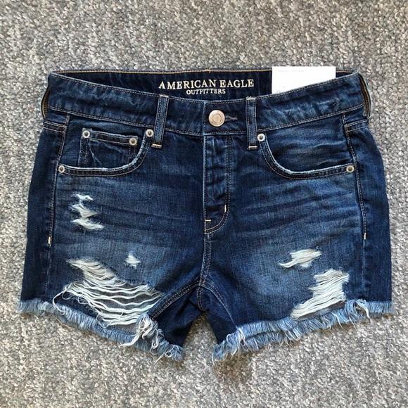 NWT American Eagle Tomgirl Midi jean shorts Size 0